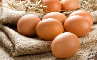 Как самостоятельно снять сглаз и порчу сырым яйцом