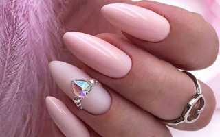Фото дизайна ногтей со стразами