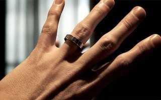 Почему нельзя носить кольцо на безымянном пальце: суеверия