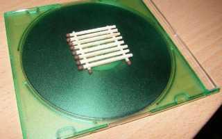 Домик из спичек при помощи клея